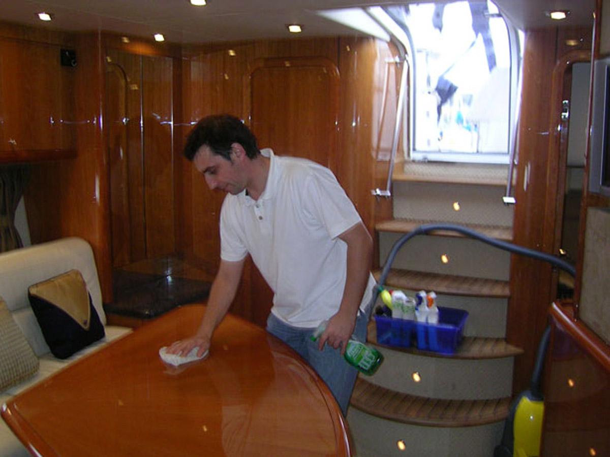 pranje unutrasnjeg dela plovila